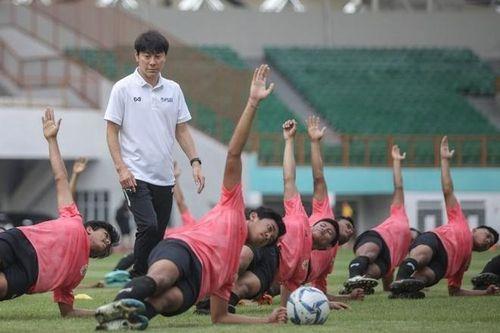 'Thể lực của cầu thủ Indonesia rất kém so với mặt bằng chung'