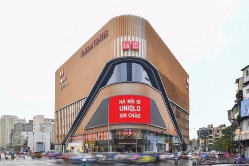Uniqlo khai trương của hàng 2.500 m2 tại Hà Nội