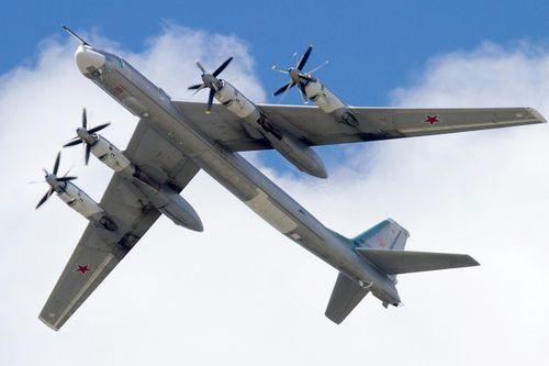 6 chiến đấu cơ Anh đồng loạt xuất kích chặn máy bay ném bom Nga