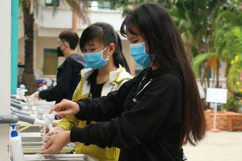 Điểm nhấn giáo dục: Cho 26 học sinh nghỉ học vì dự đám cưới người Hàn Quốc