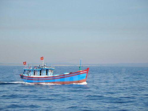 Bệnh xá đảo Trường Sa cấp cứu ngư dân bị nạn trên biển