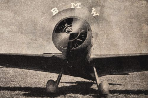Logo BMW thực tế không tượng trưng cho cánh quạt máy bay