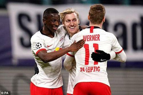 Leipzig 3-0 Tottenham: 'Gà trống' thất bại toàn diện
