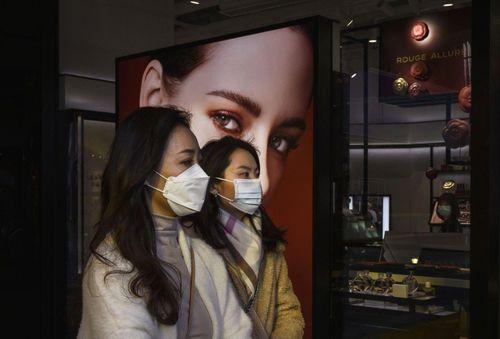 Sau cách ly, người Trung Quốc mua sắm bù hàng xa xỉ
