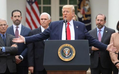 Tổng thống Donald Trump xét nghiệm âm tính với virus SARS-CoV-2