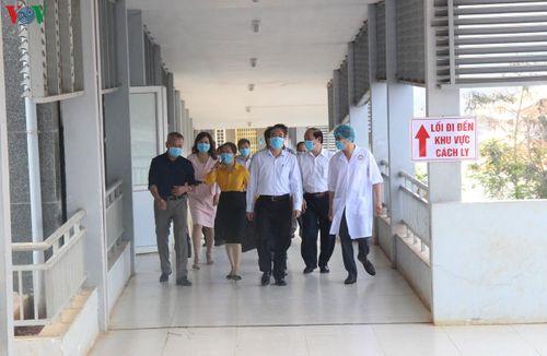 Người đi cùng chuyến bay với BN thứ 51 âm tính virus SARS nCoV 2