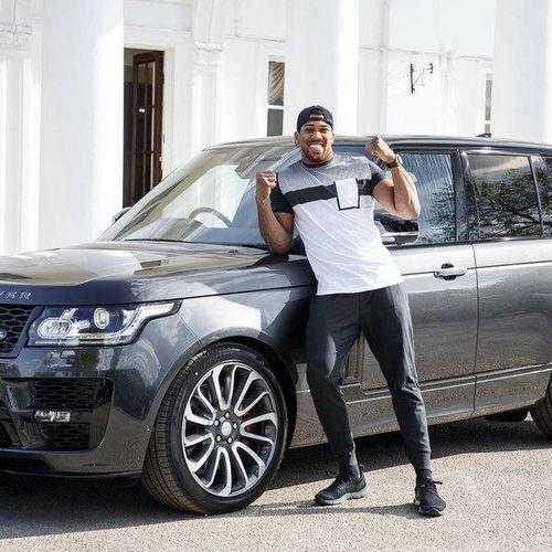 'Soi' chiếc SUV Range Rover 'hàng thửa' của nhà vô địch quyền anh hạng nặng thế giới