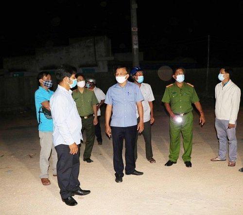 Giữa vùng cách ly y tế thôn Văn Lâm 3