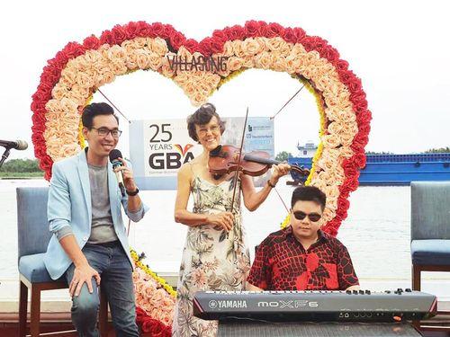 Văn nghệ sỹ Sài Thành đóng cửa nằm nhà