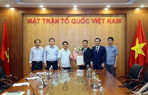 Nhà báo Trương Thành Trung được bổ nhiệm làm Phó Tổng Biên tập Tạp chí Mặt trận