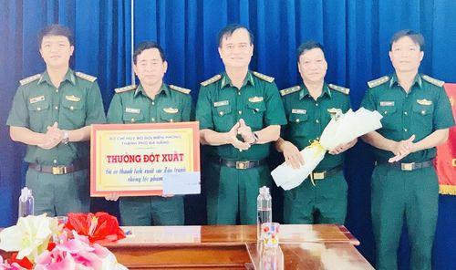 Khen thưởng Đồn Biên phòng Sơn Trà