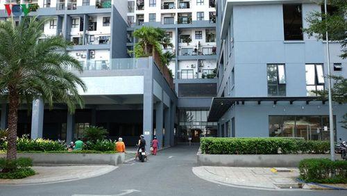 Cuộc sống cư dân chung cư phong tỏa ở TPHCM không bị đảo lộn