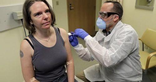 Những người hùng thử vắc-xin