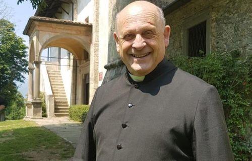 Linh mục qua đời vì Covid-19 sau khi nhường máy thở cho người khác