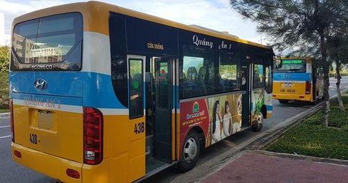 Tạm đình chỉ tài xế, phụ xe buýt đuổi 'thượng đế' xuống đường vì không có tiền lẻ mua vé