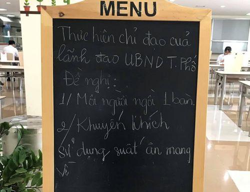 TPHCM cấm cửa hàng ăn uống phục vụ tại chỗ để phòng chống Covid-19