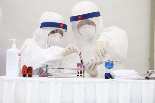 Bệnh nhân bay chuyên cơ về Việt Nam được công bố khỏi bệnh