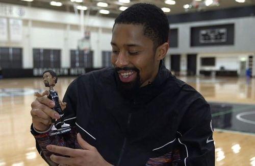 Cầu thủ NBA chế bộ giáp Iron Man giá 100 triệu USD