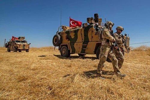 Mải chinh chiến với Thổ Nhĩ Kỳ ở Idlib, quân đội Syria bị khủng bố 'đánh úp' từ sa mạc Homs: Đã khó nay còn khó thêm?