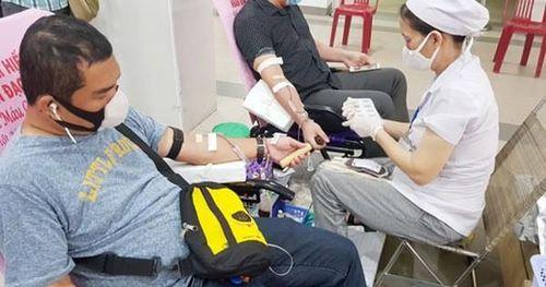 700 đoàn viên tham gia hiến máu tình nguyện