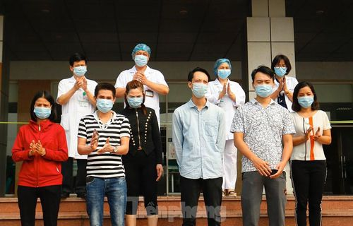 6 ca mắc COVID-19 khỏi bệnh, xuất viện tại BV Bệnh Nhiệt đới TƯ