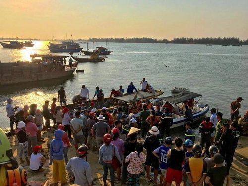 Quảng Nam: Lật thuyền trên sông Thu Bồn khiến 5 người mất tích