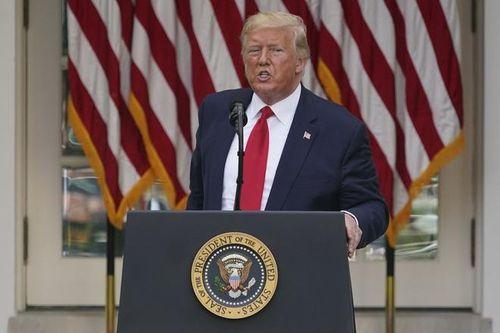 TT Trump phá vỡ sự im lặng về 100.000 người chết vì Covid-19 ở Mỹ