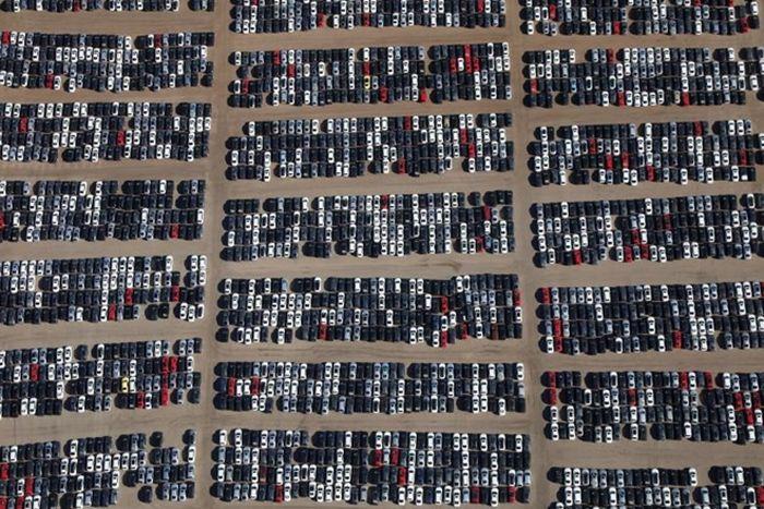 Hàng ngàn chiếc xe Volkswagen phơi xác giữa sa mạc - Báo Công An