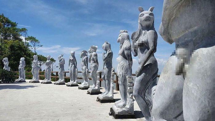 """Theo nickname Thanh Loan chia sẻ: """"Cuối tuần vừa rồi tôi dẫn con gái đến  đây vui chơi. Đến khu vực đặt 12 bức tượng này, con gái tôi tò mò hỏi ..."""