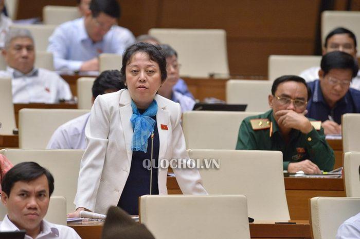 'Bộ trưởng Phùng Xuân Nhạ nên suy nghĩ xem mình có đủ sức làm Bộ trưởng không'