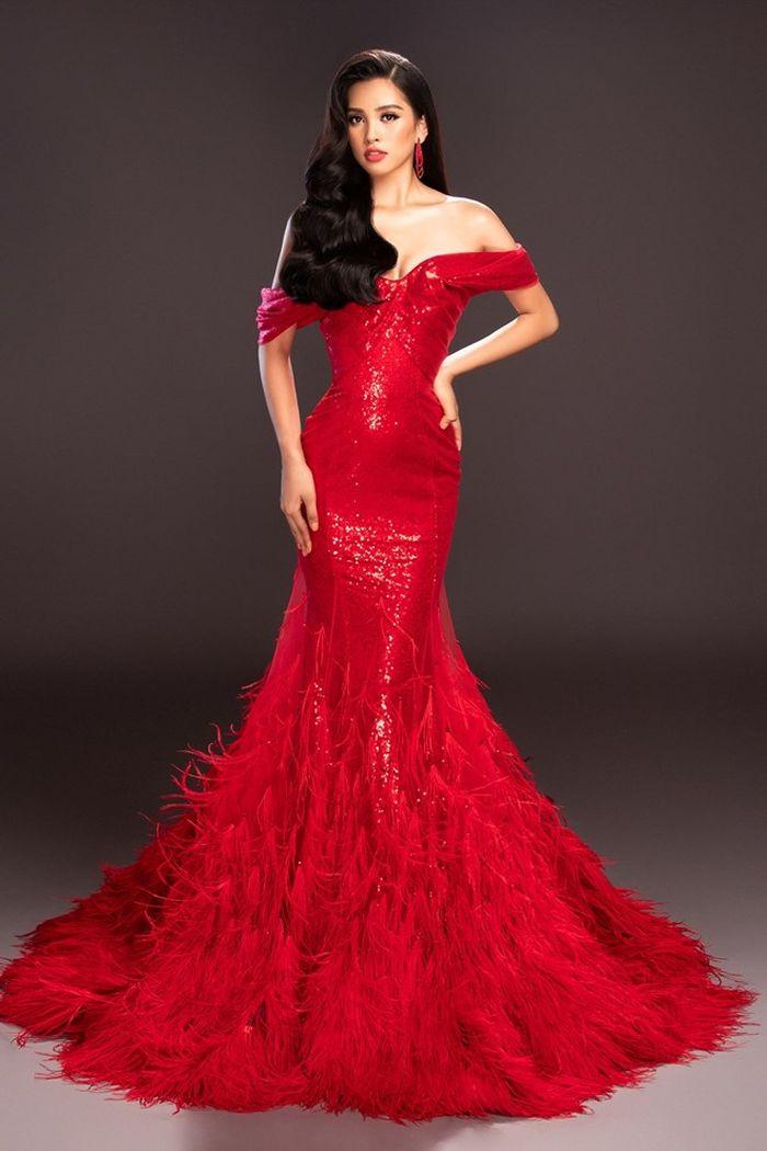 Sở hữu vẻ đẹp sắc sảo và thân hình nóng bỏng, Hoa hậu Tiểu Vy khéo léo lựa chọn trang phục dạ hội tôn lên vóc dáng của mình. (Ảnh: Mr. AT)