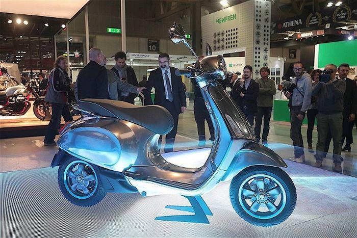 Đầu năm 2019, Piaggio mang xe máy điện Vespa Elettrica về Việt Nam