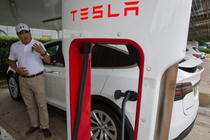 Các nhà sản xuất Ôtô điện sẽ cung cấp quyền truy cập dữ liệu khách hàng cho Trung Quốc