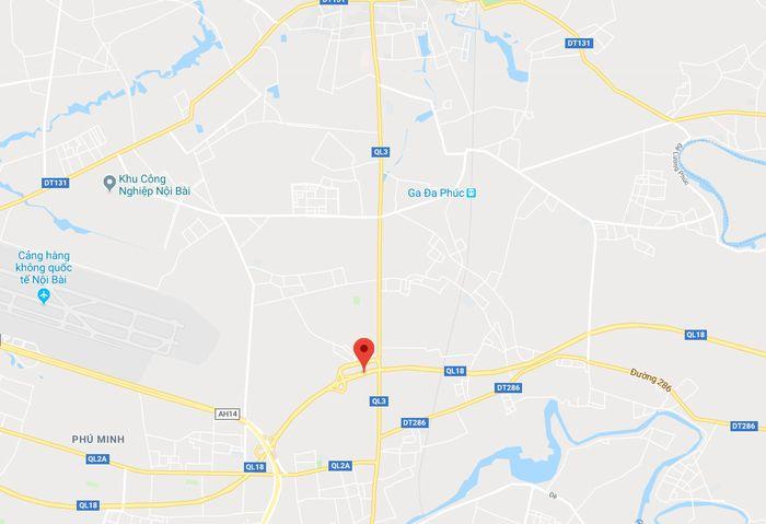 4 ÔtÔtông liên hoàn trên đường ra sân bay Nội Bài