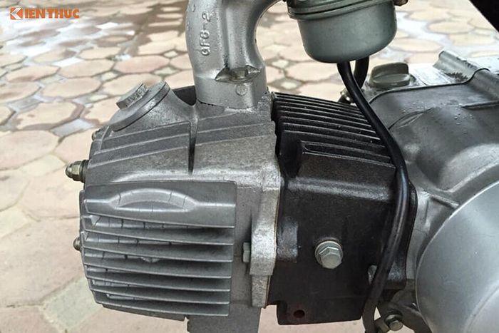 Cận cảnh xe máy Honda Win giá 100 triệu tại Hà thành
