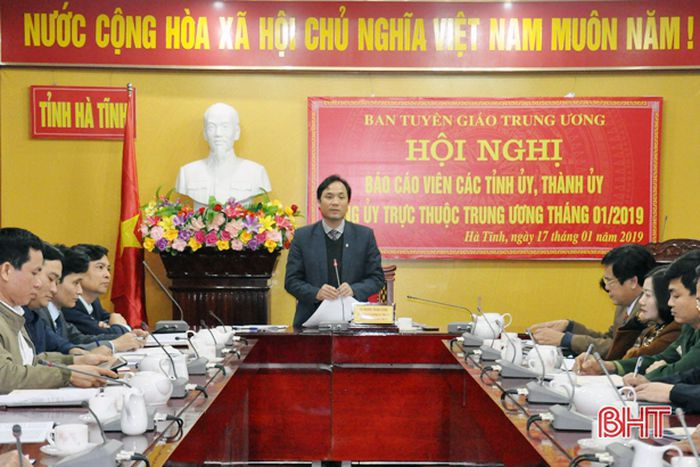 Tập trung tuyên truyền kỷ niệm 89 năm Ngày thành lập Đảng