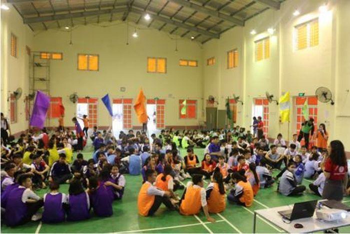 Báo ĐS&PL: Sinh viên Khoa QTKD – ĐH Đại Nam bảo vệ tốt nghiệp trên 'hiện trường'