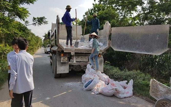 Báo Nhân Dân: Nỗ lực dập dịch, bảo vệ đàn lợn ở Bắc Giang