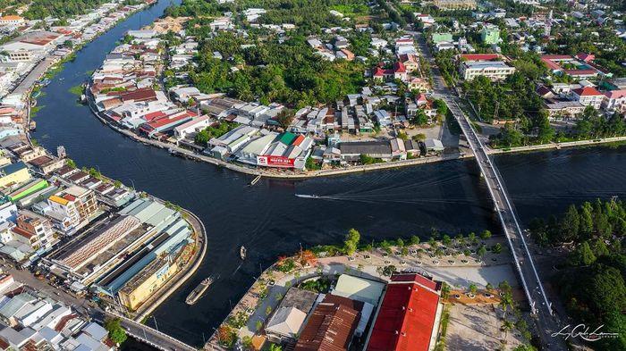 Báo SGGP: Tổng Cục môi trường vào cuộc vụ 'dòng nước đen' ở Hậu Giang