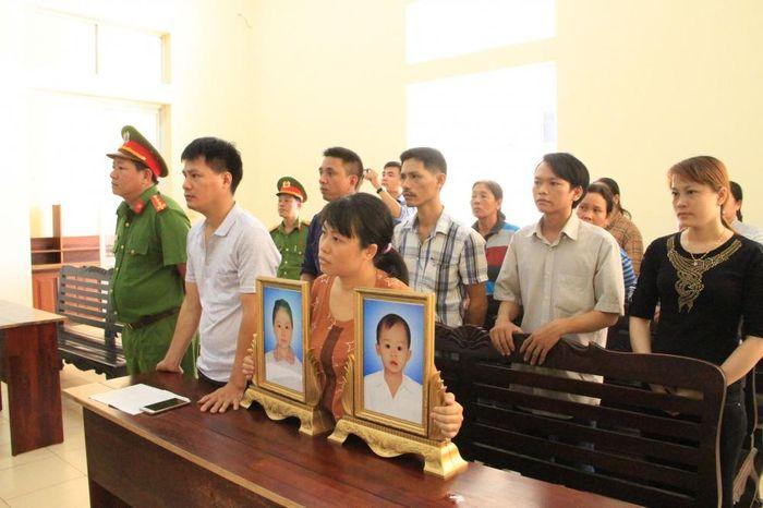 Báo VTC: Tài xế dùng bằng giả lái xe khách tông chết 2 bé gái ở Bình Dương lĩnh 9 năm tù