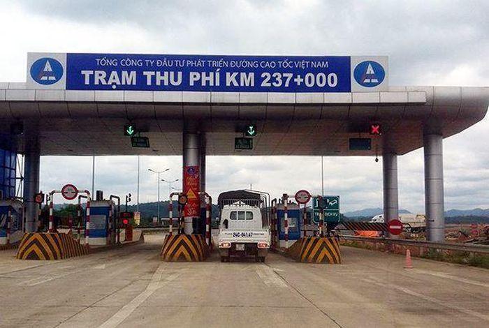 Báo Giao Thông: Trạm thu phí cao tốc Nội Bài - Lào Cai bị sét đánh, thiệt hại 4,5 tỷ đồng