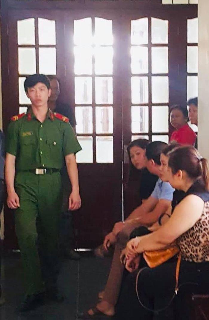 Báo Thanh Tra: Lào Cai: Bố dượng dâm ô con gái riêng của vợ?