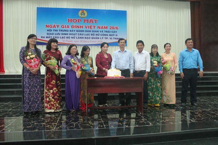 Báo Lao Động: LĐLĐ TP Vị Thanh: Họp mặt Ngày Gia đình Việt Nam