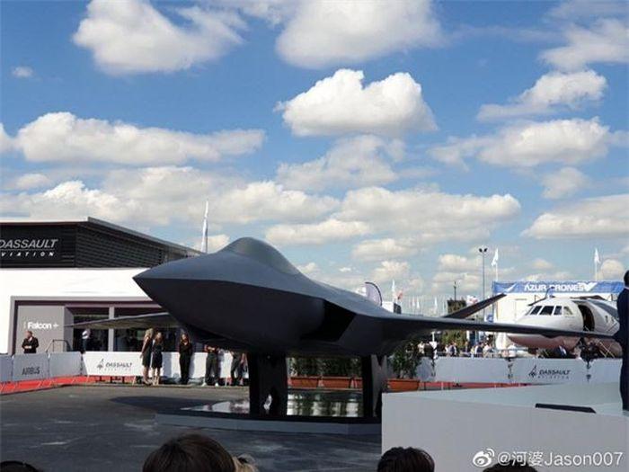 Cận cảnh máy bay thế hệ thứ 5 của châu Âu: Hệt F-22 Mỹ! - Báo nhanh