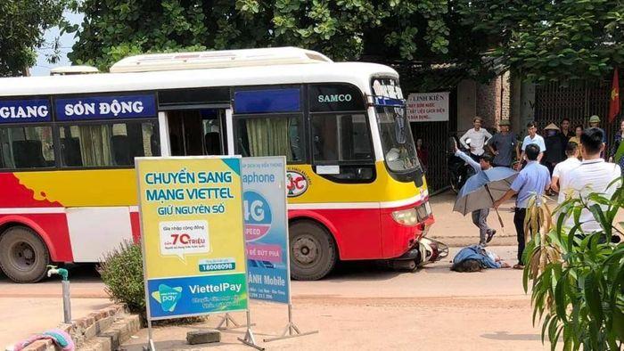 Báo ATGT: Bắc Giang: Đấu đầu xe buýt, một thiếu nữ tử vong