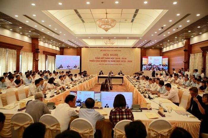 Quang cảnh Hội nghị trực tuyến Tổng kết năm học 2018-2019 và triển khai nhiệm vụ năm học 2019-2020