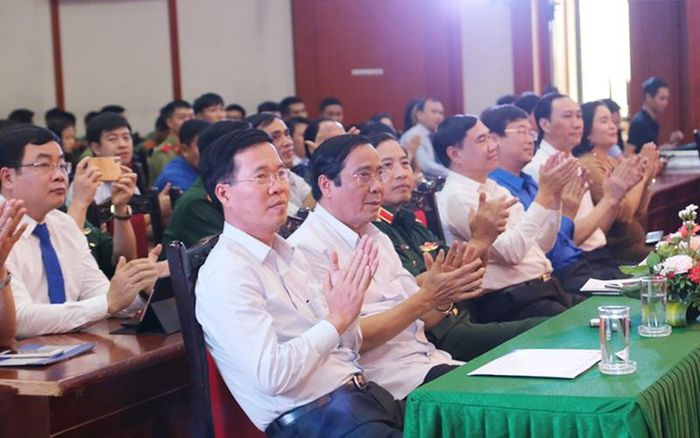 Báo Tuyên Giáo: Phát động Cuộc thi trắc nghiệm 'Tìm hiểu 90 năm lịch sử vẻ vang của Đảng Cộng sản Việt Nam' trên mạng xã hội VCNET
