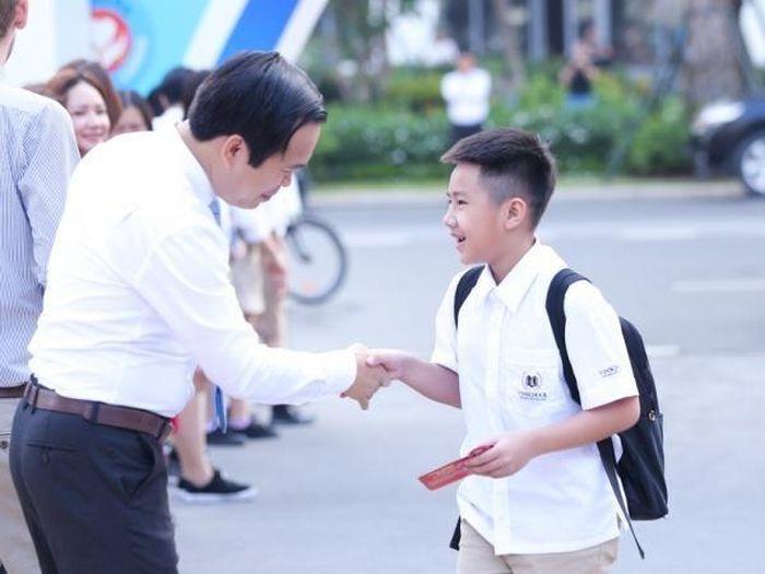 Mỗi thầy cô giáo phải là tấm gương về đạo đức, lối sống cho học sinh. (Ảnh: PV/Vietnam+)