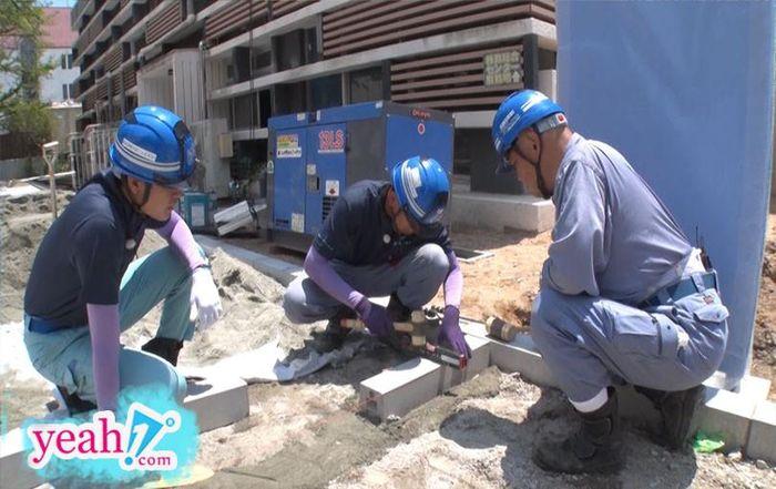 Quang Đại đội nắng làm công nhân xây dựng tại Nhật Bản