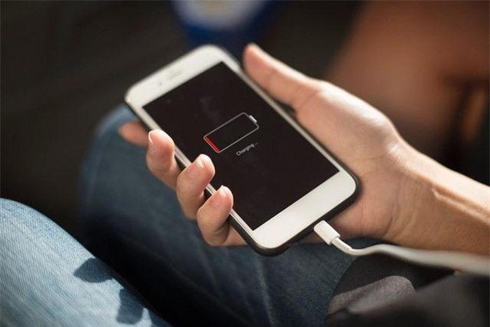 Mỗi người dùng iPhone đời cũ có thể nhận được 25 USD từ Apple
